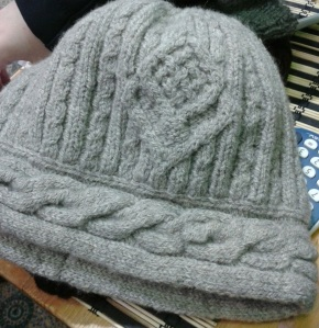 Finn cabled hat cropped